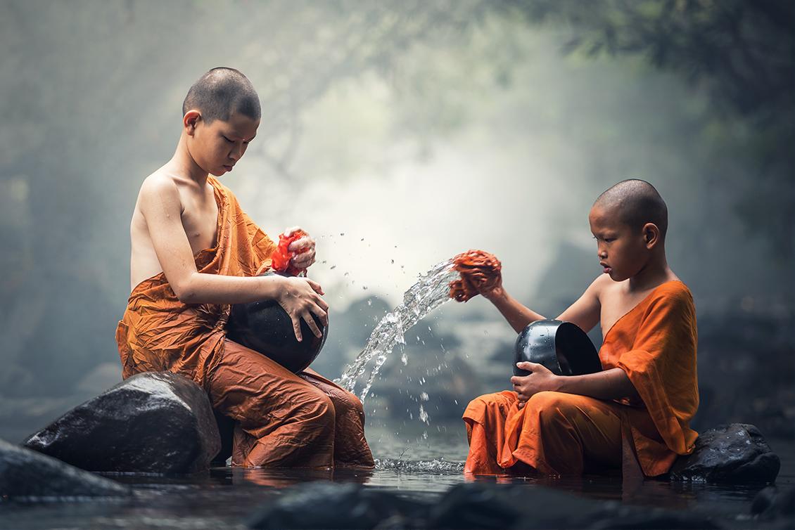 二人の少年僧侶