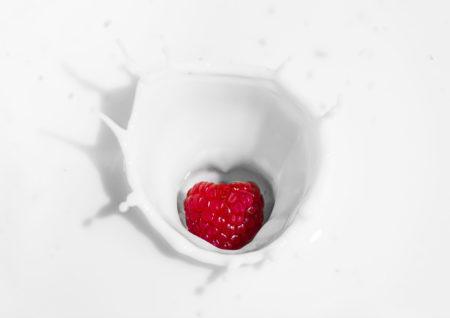 ミルクとラズベリー